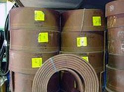 Упаковки рулонов эластичного материала