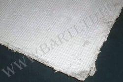 Увеличенное фото угла асбестового картона